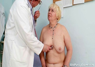 chubby blond mommy hairy bawdy cleft doctor exam