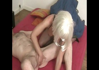 mature does strapon fuck on her neighbor