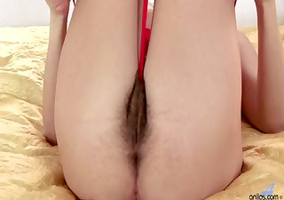 Vibrator gets lost in milfs hairy bush